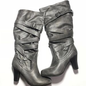Shoes - Women's High Heeled Boots Gray Like New Size 6